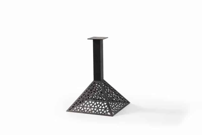 Tischbeine Cafe Tischpyramide