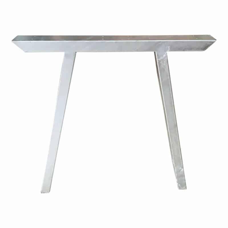 Tischbeine für den Außenbereich verzinkt.