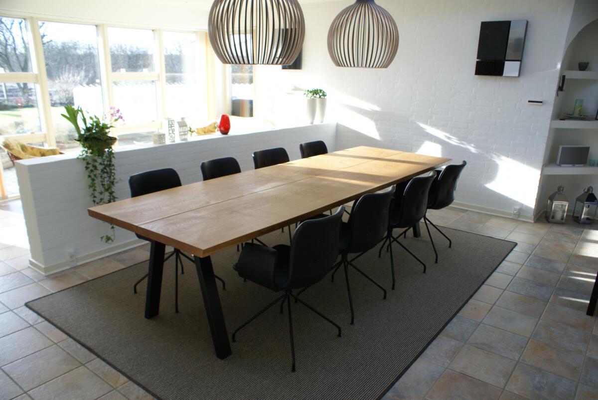 Eg-med-naturolie-Bent-Hansen-stole
