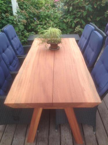 Plankebord-2-planker-maghoni-med-træben