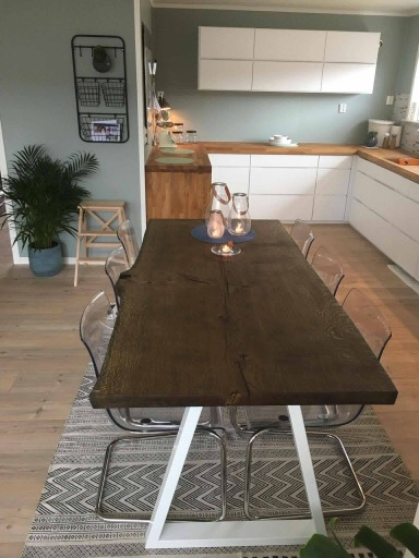 plankebord hvid trapez bordben